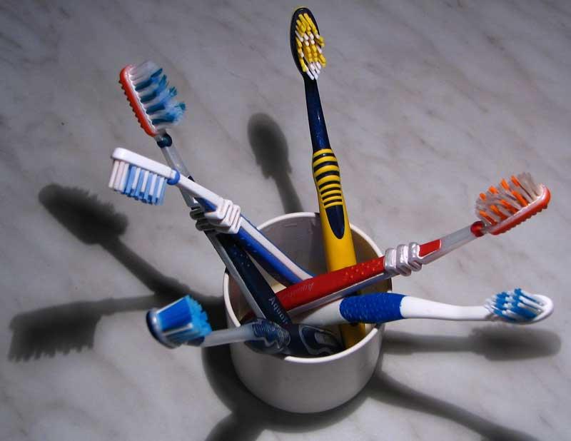 Как правльно выбрать зубную щетку