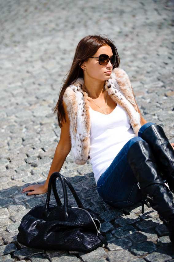 Сообщить о. Жилетка С Мехом Невероятно удачным решением стала кожаная куртка - жилетка с мехом чернобурки GRAZIOSO...
